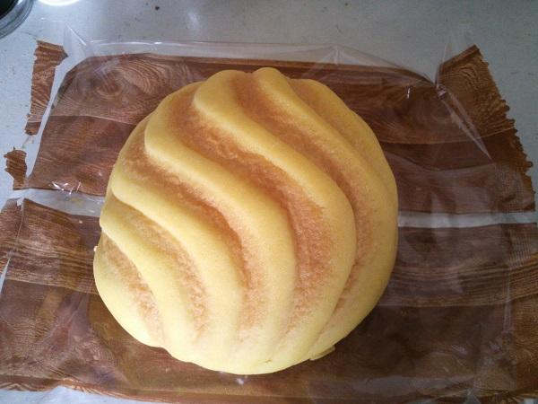 レモンクリームのメロンパン