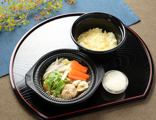 鍋から〆まで楽シメる! 鶏とろろ鍋(雑炊)